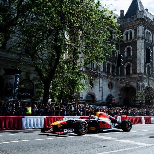 Red Bull et Max Verstappen font le show à Budapest | les photos officielles