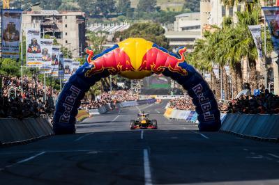 7ba170500e Formule 1 | Red Bull et David Coulthard font le show à Cape Town