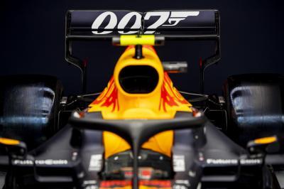 Grand Prix de Grande-Bretagne | les photos des Red Bull James Bond pour le 1 007e Grand Prix de l'histoire
