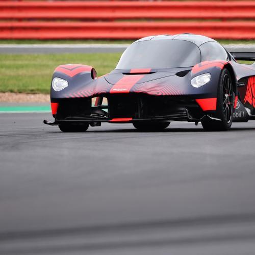 Aston Martin Valkyrie | les photos de l'hypercar sur la piste de SIlverstone