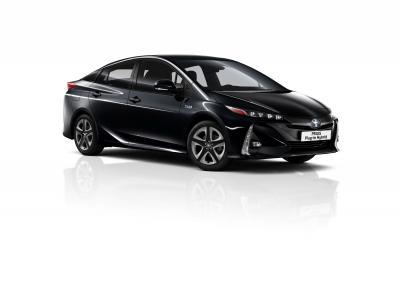Toyota Prius | les photos officielles de la version hybride rechargeable 5 places