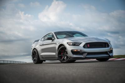 Ford Mustang Shelby GT350R   les photos officielles