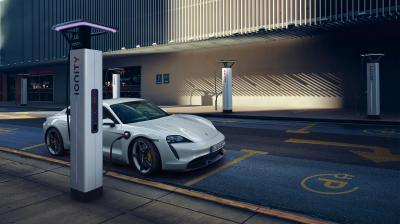 Porsche Taycan | les photos officielles de la nouvelle sportive 4 portes 100% électrique