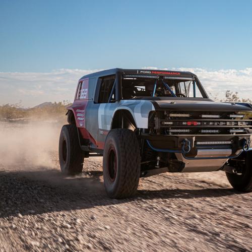 Ford Performance Bronco R | les photos officielles du prototype au départ du Baja 1000