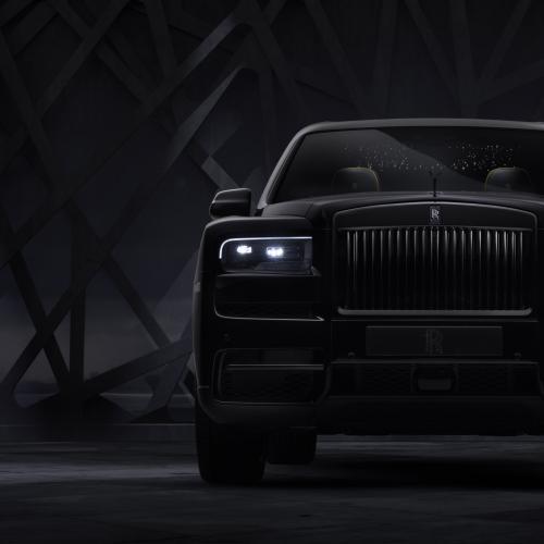 Rolls-Royce Cullinan Black Badge | Les photos de la série spéciale full-black du SUV de luxe