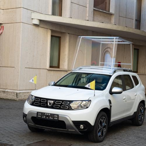 Dacia Duster | les photos officielle de la version Papamobile