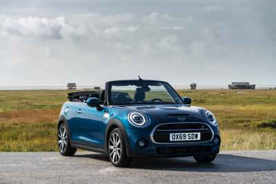 Mini Sidewalk Cabriolet | Les photos de la citadine anglaise exclusive
