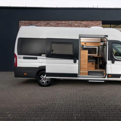 Affinity Camper Van   les photos officielles de l'hybride van - profilé