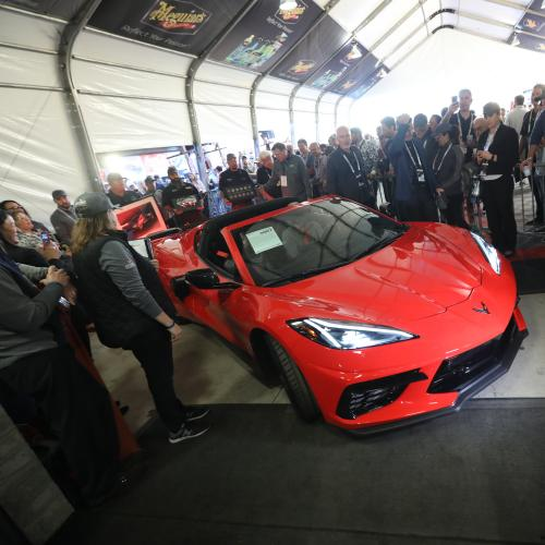 Chevrolet Corvette C8 Stingray | Les photos du tout premier exemplaire vendu aux enchères