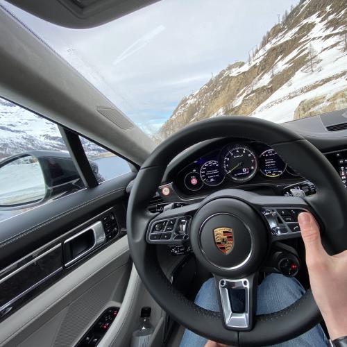 Porsche : la saga hybride