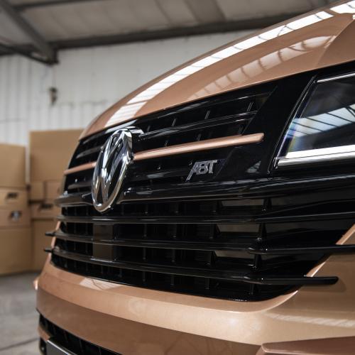 Volkswagen T6.1 par ABT | Les photos de la prépa esthétique à côté du modèle de série