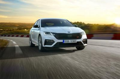 Skoda Octavia RS IV | les photos officielles de l'hybride rechargeable