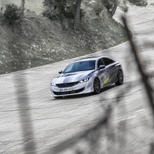 Peugeot 508 PSE | Les photos de la berline sportive sur un anneau de vitesse