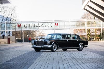 Mercedes-Benz 600 Pullman | Les photos de la limousine à six portes