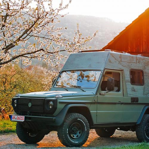 Mercedes 230 GE by Lorinser | Les photos du camping-car de hipster