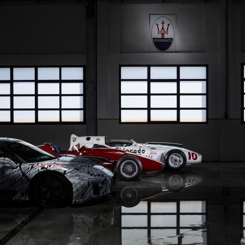 Maserati MC20   Les photos officielles du proto en tenue de camouflage