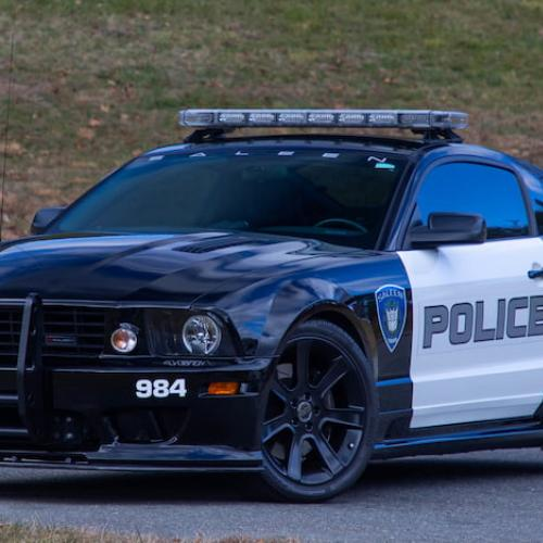 """Ford Mustang Saleen S281 Extreme """"Barricade"""" Police 