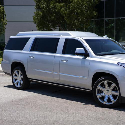Cadillac Escalade ESV Stretch | Les photos du bureau mobile ex-Tom Brady