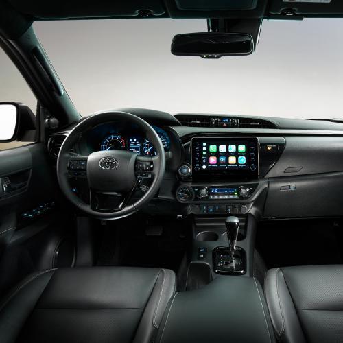Toyota Hilux (2020)   Les photos du robuste pick-up restylé