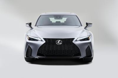 Lexus IS restylée (2021) | Les photos officielles de la berline familiale