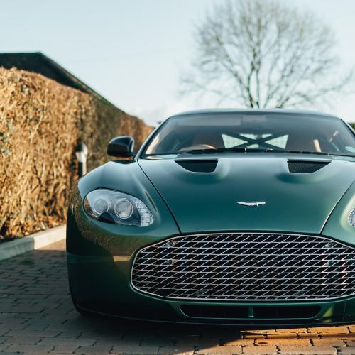 Aston Martin V12 Zagato | Les photos du modèle à vendre chez Bell Sport & Classic