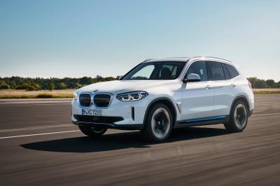 BMW iX3 : les photos officielles du SUV familial premium électrique