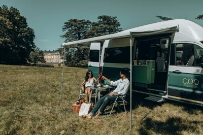 Grand Hôtel COQ California | les photos officielles du camping-car aménagé en chambre d'hôtel