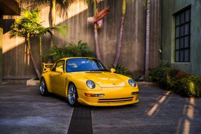 Porsche 911 Carrera RS 3.8 | Les photos de la sportive en vente chez RM Sotheby's