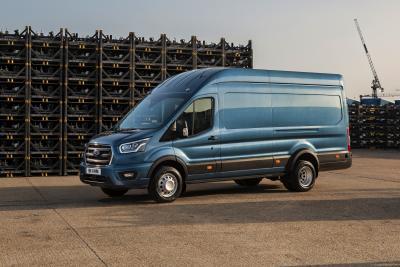Ford Transit | Les photos officielles de la variante 5 tonnes de l'utilitaire