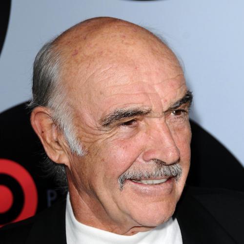 Sir Sean Connery dans le rôle de James Bond | Les photos des voitures de la saga