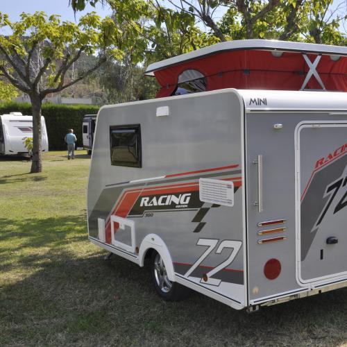 Mini Freestyle Racing 300 | les photos de la caravane qui cache une moto