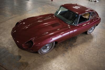 Dans le garage d'Elon Musk | McLaren, Jaguar, BMW