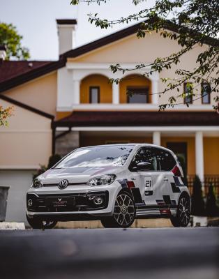 Volkswagen Up! GTI by Vilner | Les photos de la citadine personnalisée
