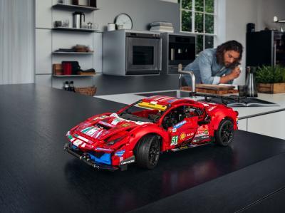 Ferrari 488 GTE x Lego | les photos officielles de la réplique