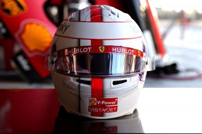 Danke Seb | les photos du casque de Charles Leclerc pour le dernier Grand Prix de Vettel chez Ferrari
