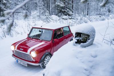 Mini Classic & Rauno Aaltonen | Les photos du pilote et de la petite auto en Finlande