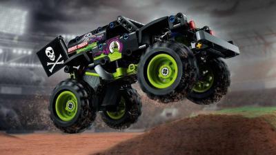 Monster Jam & Lego Technic | Les photos de Grave Digger et Max-D