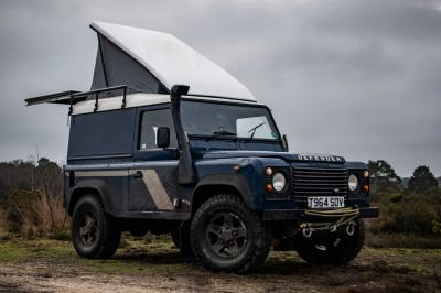 Land Rover Defender by Felix Collier | les photos du camping-car