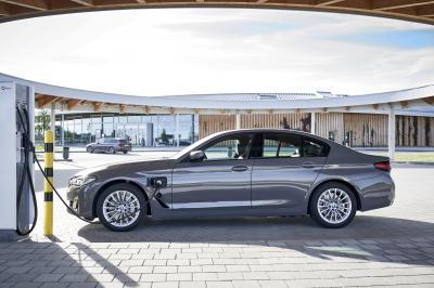 BMW 320e et 520e (2021) | Les photos des modèles hybrides rechargeables
