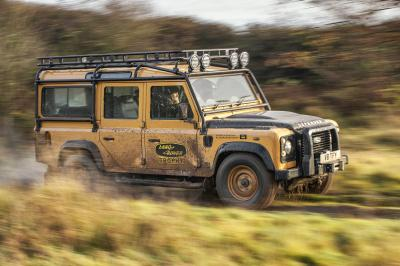 Land Rover Defender Works V8 Trophy | Les photos du tout-terrain exclusif