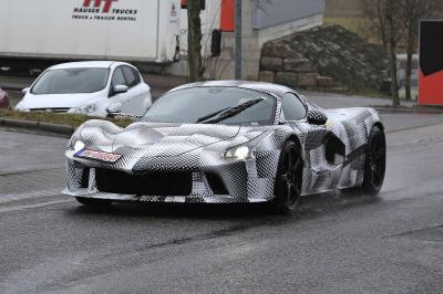 Ferrari | la succession de LaFerrari photographiée en Allemagne