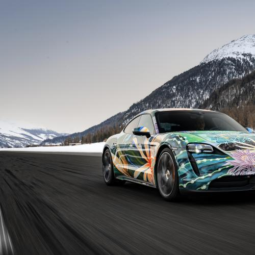 Porsche Taycan Artcar Richard Phillips | les photos de la sportive électrique
