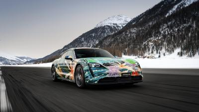 Porsche Taycan Artcar Richard Phillips | les photos de la sportive électrique