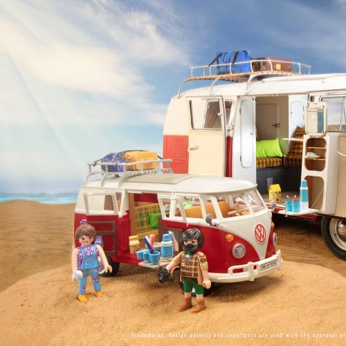 VW T1 Combi by Playmobil   Les photos du jouet et du modèle grandeur nature