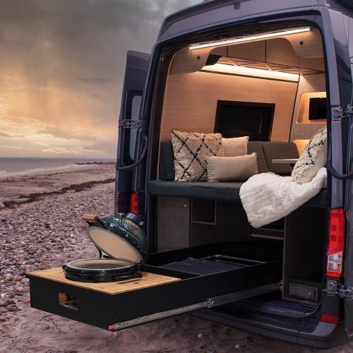 Loef Camper | les photos du van high-tech équipé d'un barbecue