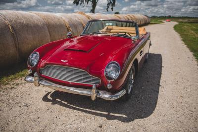Aston Martin DB5 Vantage Cabriolet | Les photos de la rare sportive découvrable