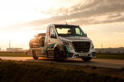"Mercedes Sprinter ""AMG Petronas"" by Kegger | Les photos de la super-dépanneuse"