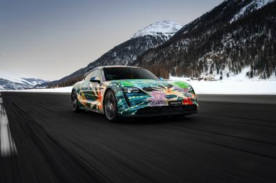 Porsche Taycan 4S Artcar | Les photos de la berline électrique customisée