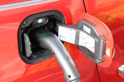 L'électrique au quotidien | Renault Twingo Electric vs Renault Zoé