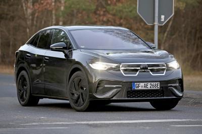Volkswagen ID.5 (2022)   Les photos espion du SUV-coupé 100% électrique